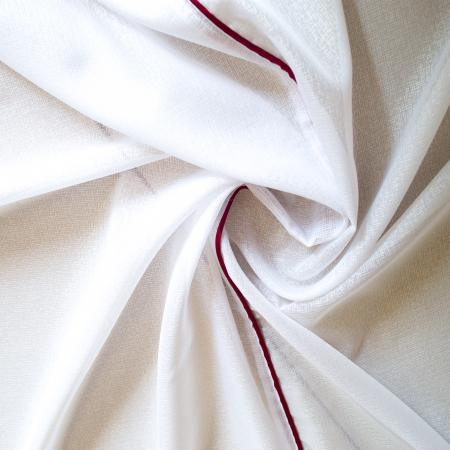 Perdea Velaria in cristal alb cu fir rosu1