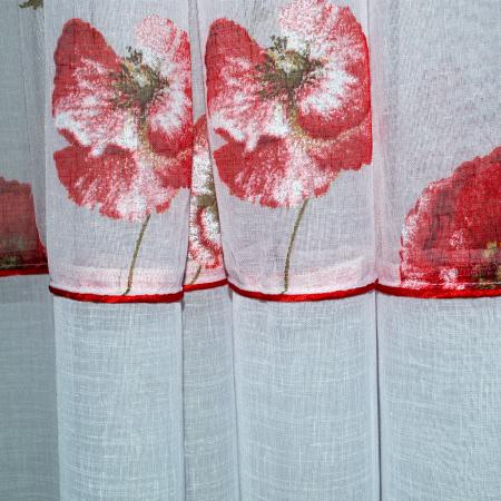 Perdea Velaria in alb cu maci rosii1