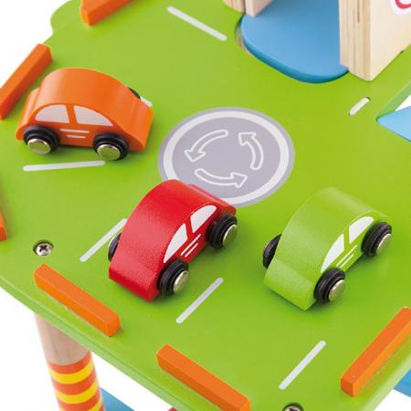 Statie de benzina cu parcare, lift si heliport [6]