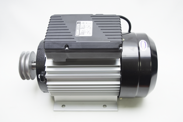 Motor electric 2800RPM 4KW cu carcasa de aluminiu Micul Fermier 10