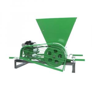 Zdrobitor Electric de Fructe si Legume, capacitate maruntire 200KG/H, putere motor 750W4
