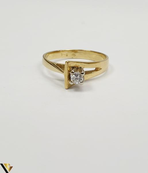 """Inel din aur 18k, 750 3.34 grame Diametrul inelului este de 17mm (masura standard RO:53 si UE:13) Latimea in partea superioara este de 7 mm Marcaj cu titlul """"750"""" Locatie Harlau 1"""