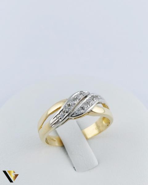 Inel Aur 18k, Diamante de cca. 0.15 ct in total, 3.64 grame 0