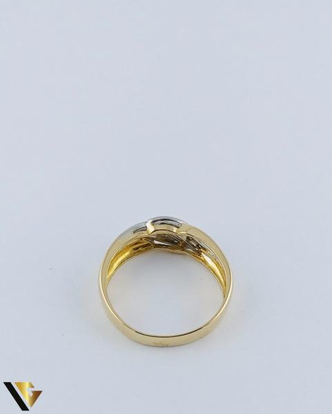 Inel Aur 18k, Diamante de cca. 0.15 ct in total, 3.64 grame 3