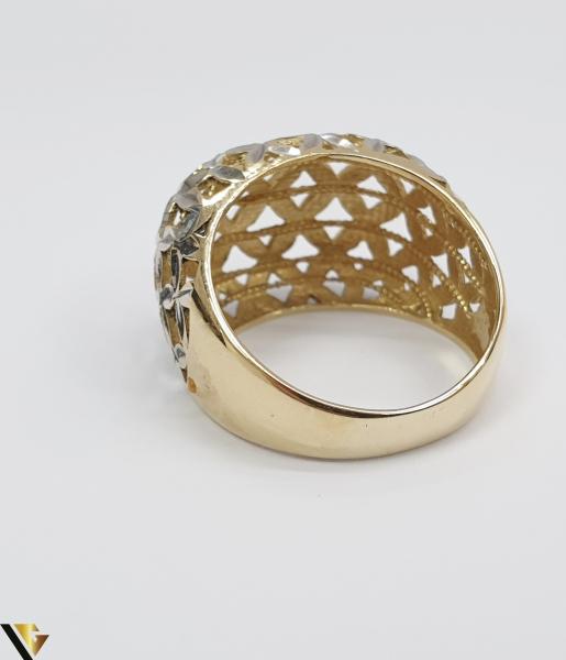 """Inel din aur 14k, 585 4.30 grame Diametrul inelului este de 17.5mm (masura standard RO:55 si UE:15) Latimea in partea superioara este de 14 mm Marcaj cu titlul """"585"""" Locatie Harlau [2]"""