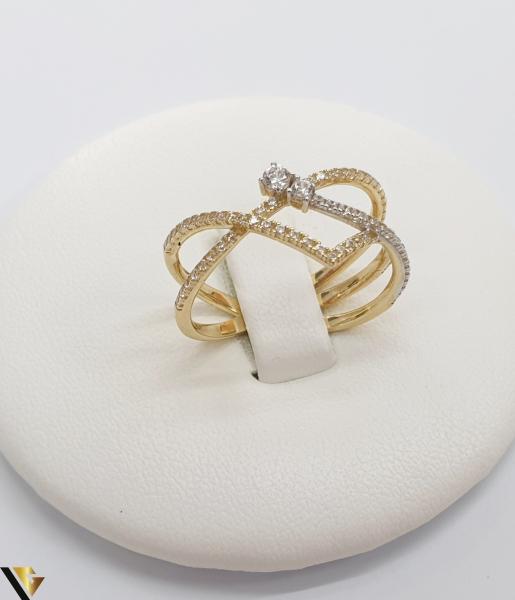 """Inel din aur 14k, 585 2.50 grame Diametrul inelului este de 17mm (masura standard RO:54 si UE:14) Latimea in partea superioara este de 9 mm Marcaj cu titlul """"585"""" Locatie Harlau 0"""
