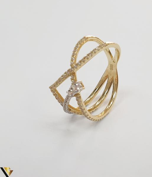 """Inel din aur 14k, 585 2.50 grame Diametrul inelului este de 17mm (masura standard RO:54 si UE:14) Latimea in partea superioara este de 9 mm Marcaj cu titlul """"585"""" Locatie Harlau 1"""