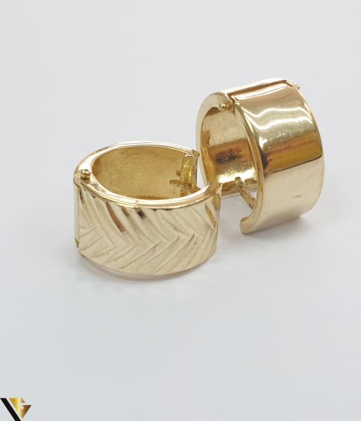 Cercei din aur  14k, 585 2.71 grame Lungimea cerceilor 15mm Latimea cerceilor 8mm Locatie HARLAU Marcaj cu titlul 585 2