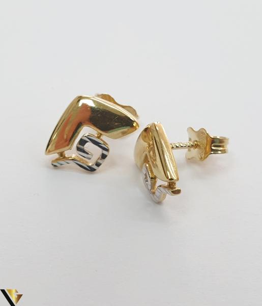 Cercei din aur  14k, 585 1.55 grame Lungimea cerceilor 11mm Latimea cerceilor 8mm Locatie HARLAU Marcaj cu titlul 585 0