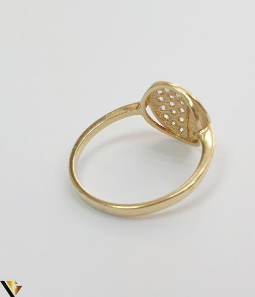 """Inel din aur 14k, 585 2.10grame Diametrul inelului este de 18mm (masura standard RO:56 si UE:16) Latimea in partea superioara este de 11 mm Marcaj cu titlul """"585"""" Locatie Harlau 2"""
