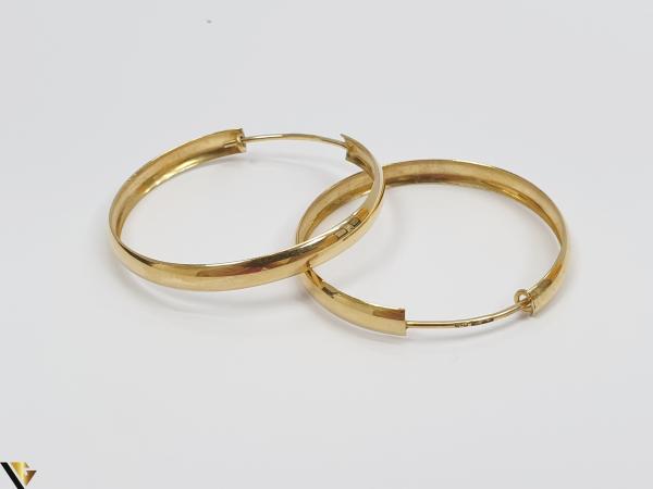 Cercei din aur  18k, 750 4.98 grame Lungimea cerceilor 34mm Latimea cerceilor 37mm Marcaj cu titlul 750 Locatia HARLAU 2