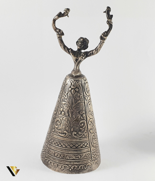 """Southern Lady Bell"" din Argint 800, 82.42 grame 0"