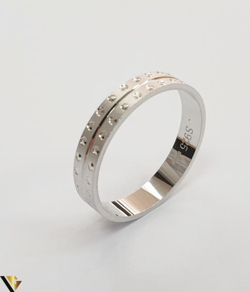 """Inel din argint, 925 2.33 grame Latime inel 5 mm Diametrul inelului este de 19.5mm (masura standard RO: 61 si UE: 21) Marcaj cu titlul """"925"""" Locatie HARLAU 0"""