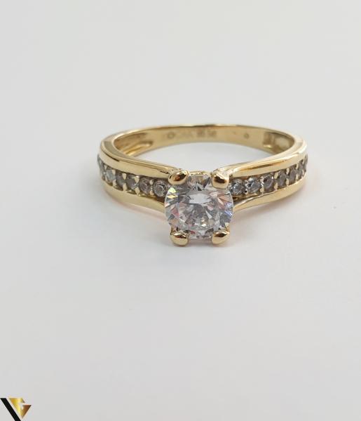 """Inel din aur 14k, 585 2.43grame Diametrul inelului este de 16mm (masura standard RO:50 si UE:10) Latimea in partea superioara este de 5.5 mm Marcaj cu titlul """"585"""" Locatie Harlau 1"""