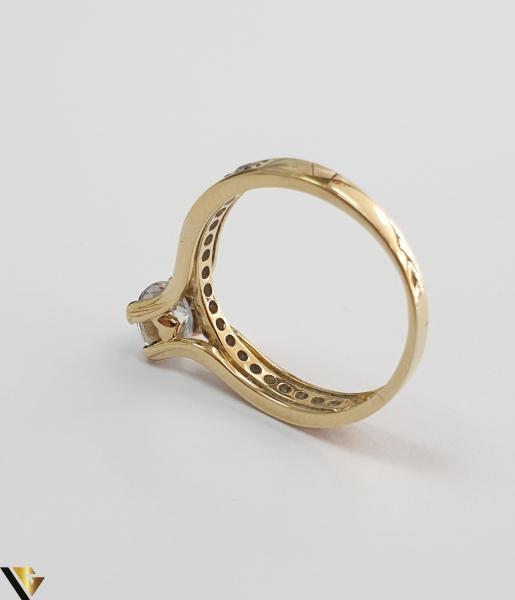 """Inel din aur 14k, 585 2.43grame Diametrul inelului este de 16mm (masura standard RO:50 si UE:10) Latimea in partea superioara este de 5.5 mm Marcaj cu titlul """"585"""" Locatie Harlau 2"""