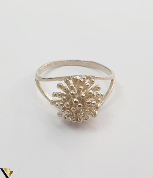 """Inel din argint, 925 2.83 grame Latime inel 10 mm Diametrul inelului este de 18.5mm (masura standard RO: 58 si UE: 18) Marcaj cu titlul """"925"""" Locatie HARLAU 1"""
