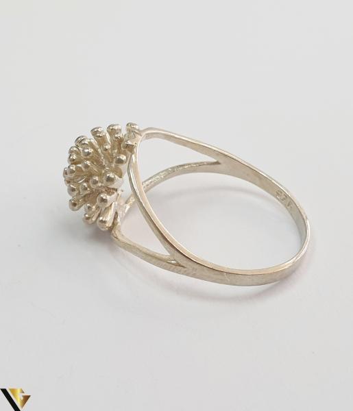 """Inel din argint, 925 2.83 grame Latime inel 10 mm Diametrul inelului este de 18.5mm (masura standard RO: 58 si UE: 18) Marcaj cu titlul """"925"""" Locatie HARLAU 3"""