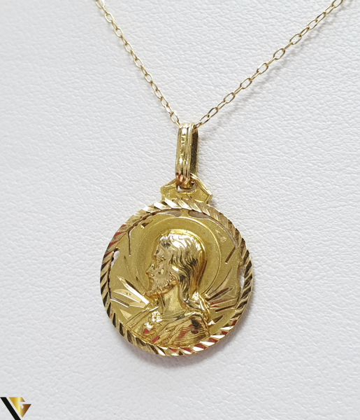 Pandantiv din aur 18k, 750 1.81grame Lungimea pandantivului cu anou este de 24 mm Latimea pandantivului este de 16mm Locatie HARLAU 0
