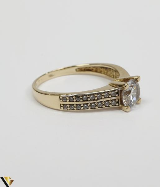 """Inel din aur 14k, 585 3.20grame Diametrul inelului este de 18.5mm (masura standard RO:58 si UE:18) Latimea in partea superioara este de 6.0 mm Marcaj cu titlul """"585"""" Locatie Harlau 2"""