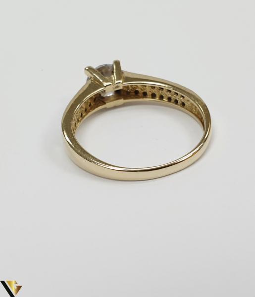 """Inel din aur 14k, 585 3.20grame Diametrul inelului este de 18.5mm (masura standard RO:58 si UE:18) Latimea in partea superioara este de 6.0 mm Marcaj cu titlul """"585"""" Locatie Harlau 3"""