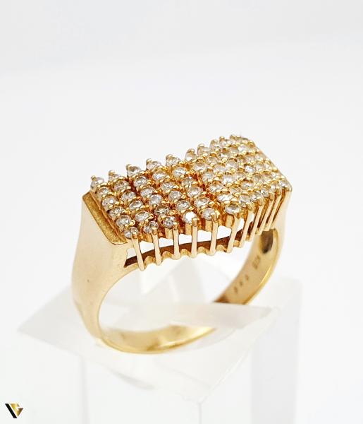 Inel cu diamante de cca. 0.66 ct, din aur 18k, 4.50 grame (BC M) 0