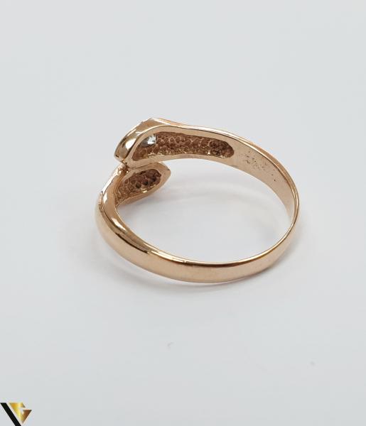 """Inel din aur 14k, 585 3.20grame Diametrul inelului este de 17.5mm (masura standard RO:55 si UE:15) Latimea in partea superioara este de 9.5 mm Marcaj cu titlul """"585"""" Locatie Harlau [2]"""