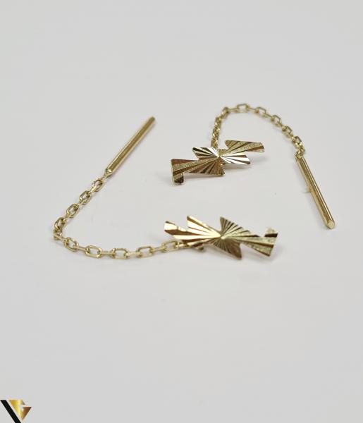 Cercei din aur  14k, 585 1.18grame Lungimea cerceilor 50mm Latimea cerceilor 3.5mm Marcaj cu titlul 585 Locatia HARLAU 1