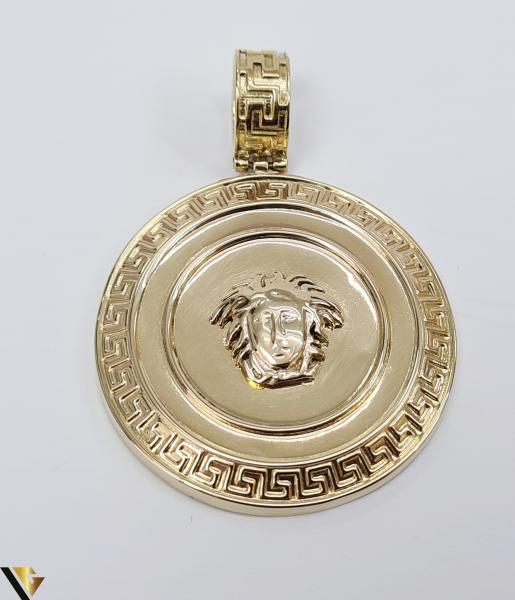 Pandantiv din aur 14k, 585 6.00 grame Lungimea pandantivului cu anou este de 46 mm Latimea pandantivului este de 34mm Locatie HARLAU 0