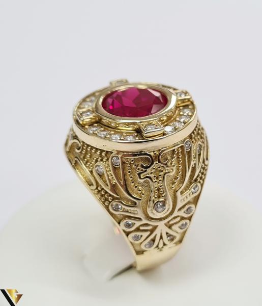 """Inel din aur 14k, 585 14.68 grame Latime inelului la partea superioara este de 26.5 mm Cristal central cu dimensiunile 9.5 mm /9.5 mm Diametrul inelului este de 21 mm Masura standard RO: 65 si UE: 25 Marcaj cu titlul """"585"""" Locatie Harlau 1"""