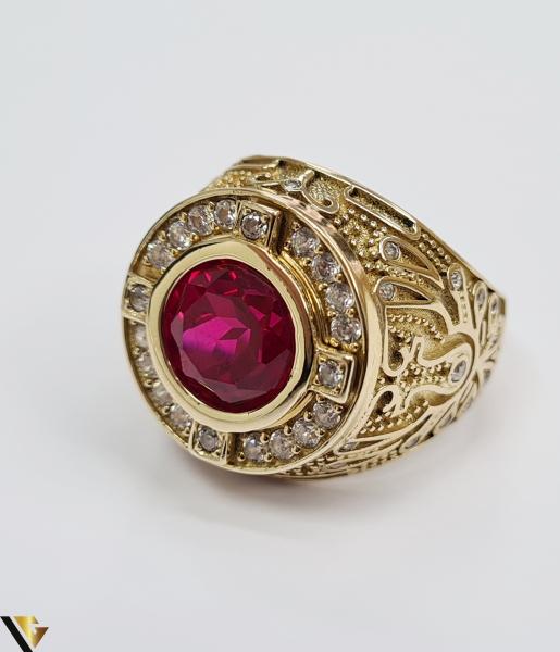"""Inel din aur 14k, 585 14.68 grame Latime inelului la partea superioara este de 26.5 mm Cristal central cu dimensiunile 9.5 mm /9.5 mm Diametrul inelului este de 21 mm Masura standard RO: 65 si UE: 25 Marcaj cu titlul """"585"""" Locatie Harlau 4"""