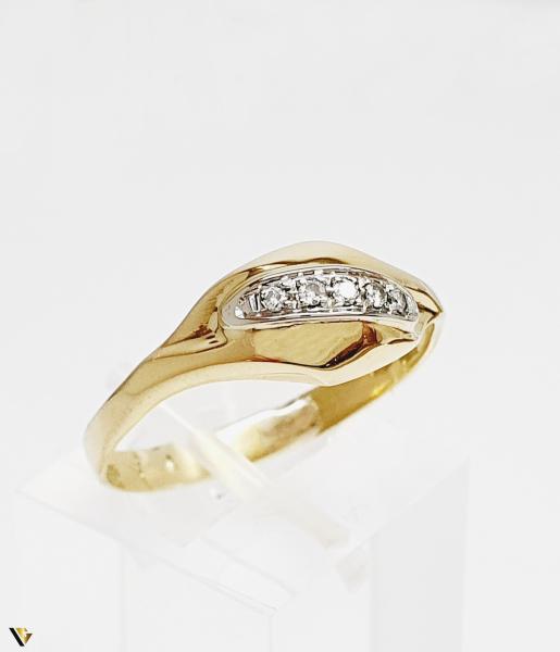 Inel cu diamante de cca. 0.05 ct, 18k, 3.31 grame (BC M) 0