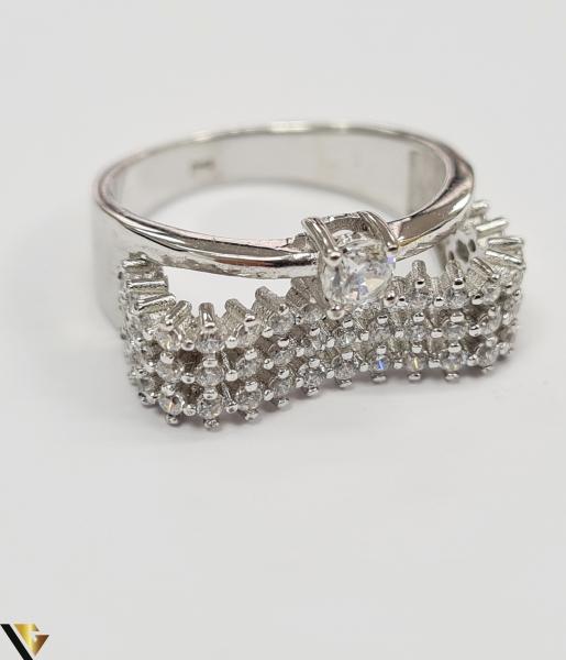 """Inel din argint, 925 5.08 grame Latime inel 9 mm Diametrul inelului este de 19mm (masura standard RO: 59 si UE: 19) Marcaj cu titlul """"925"""" Locatie HARLAU [1]"""