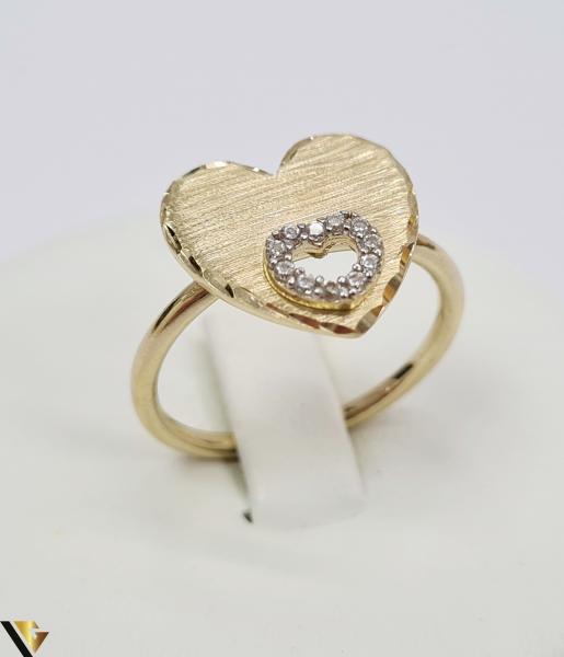 """Inel din aur 14k, 585 2.75 grame Latime inelului la partea superioara este de 4 mm Diametrul inelului este de 17.5 mm Masura standard RO: 55 si UE: 15 Marcaj cu titlul """"585"""" Locatie Harlau [0]"""