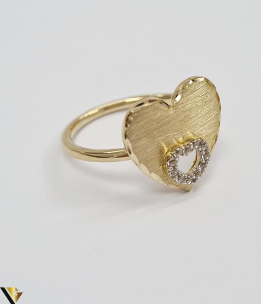 """Inel din aur 14k, 585 2.75 grame Latime inelului la partea superioara este de 4 mm Diametrul inelului este de 17.5 mm Masura standard RO: 55 si UE: 15 Marcaj cu titlul """"585"""" Locatie Harlau [1]"""