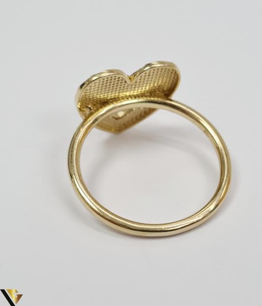 """Inel din aur 14k, 585 2.75 grame Latime inelului la partea superioara este de 4 mm Diametrul inelului este de 17.5 mm Masura standard RO: 55 si UE: 15 Marcaj cu titlul """"585"""" Locatie Harlau [3]"""