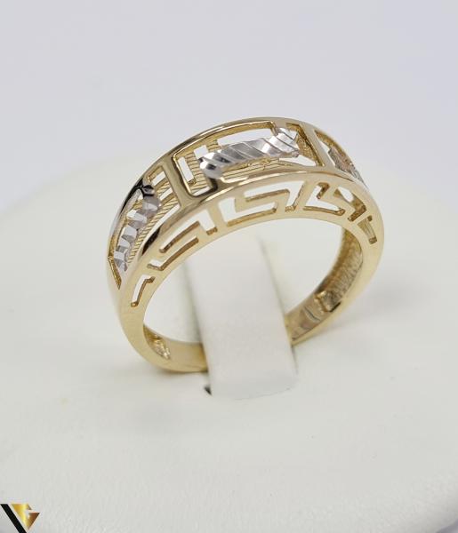 """Inel din aur 14k, 585 2.56 grame Latime inelului la partea superioara este de 5 mm Diametrul inelului este de 18 mm Masura standard RO: 56 si UE: 16 Marcaj cu titlul """"585"""" Locatie Harlau [0]"""