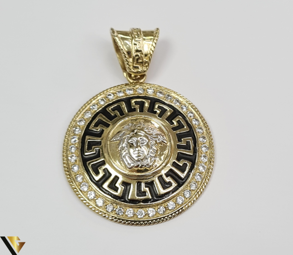 Pandantiv din aur 14k, 585 18.92 grame Lungimea pandantivului cu anou este de 52.5 mm Latimea pandantivului este de 37.5mm Locatie HARLAU 0