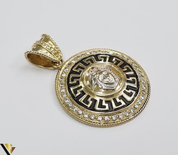 Pandantiv din aur 14k, 585 18.92 grame Lungimea pandantivului cu anou este de 52.5 mm Latimea pandantivului este de 37.5mm Locatie HARLAU 1