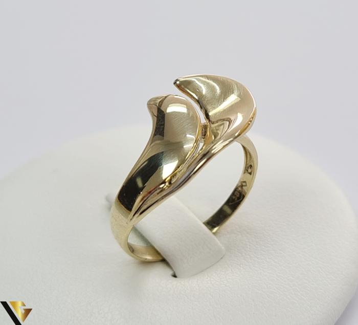 """Inel din aur 14k, 585 2.67 grame Latime inelului la partea superioara este de 11.5 mm Diametrul inelului este de 18mm Masura standard RO: 57 si UE: 17 Marcaj cu titlul """"585"""" Locatie Harlau [0]"""