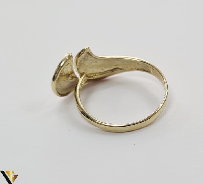 """Inel din aur 14k, 585 2.67 grame Latime inelului la partea superioara este de 11.5 mm Diametrul inelului este de 18mm Masura standard RO: 57 si UE: 17 Marcaj cu titlul """"585"""" Locatie Harlau [3]"""