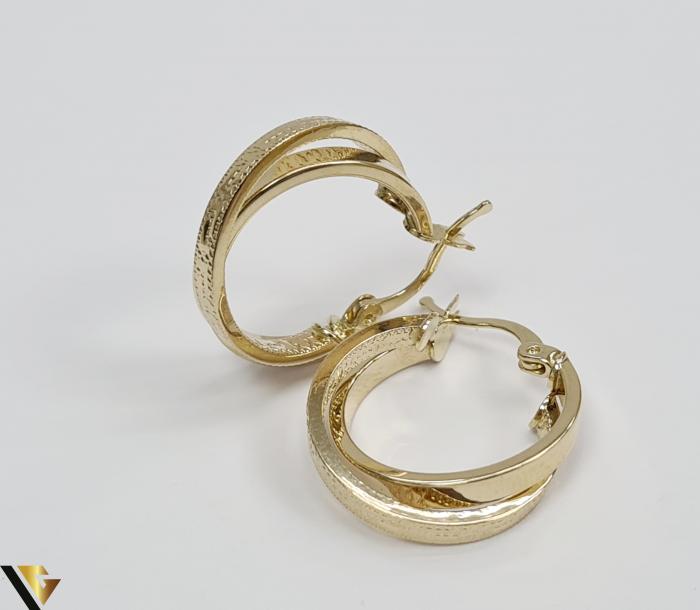 Cercei din aur  14k, 585 2.86grame Lungimea cerceilor 21.5mm Latimea cerceilor 5mm Marcaj cu titlul 585 Locatia HARLAU 1