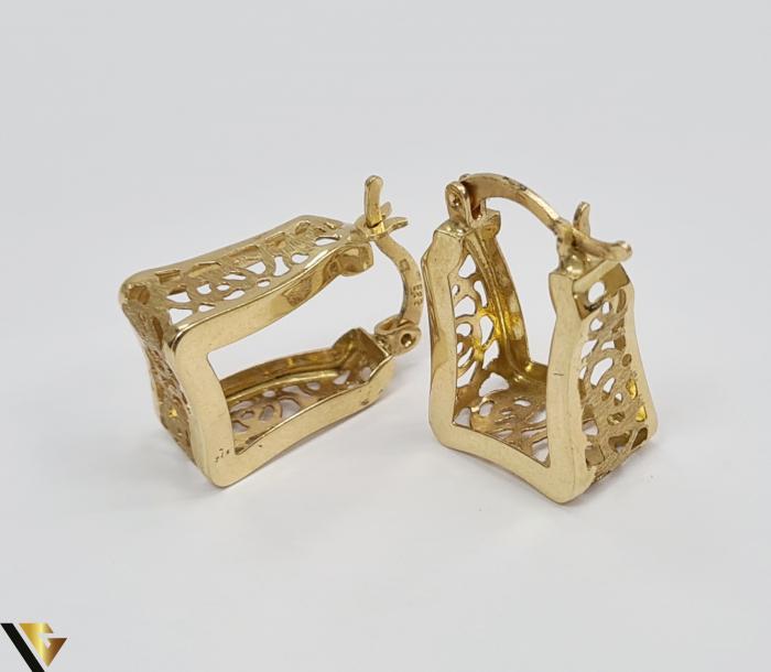 Cercei din aur  14k, 585 3.26grame Lungimea cerceilor 20mm Latimea cerceilor 8.0mm Marcaj cu titlul 585 Locatia HARLAU 2