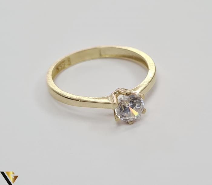 """Inel din aur 14k, 585 1.72 grame Latime inelului la partea superioara este de 5.5 mm Diametrul inelului este de 18 mm Masura standard RO: 56 si UE: 16 Marcaj cu titlul """"585"""" Locatie Harlau 2"""