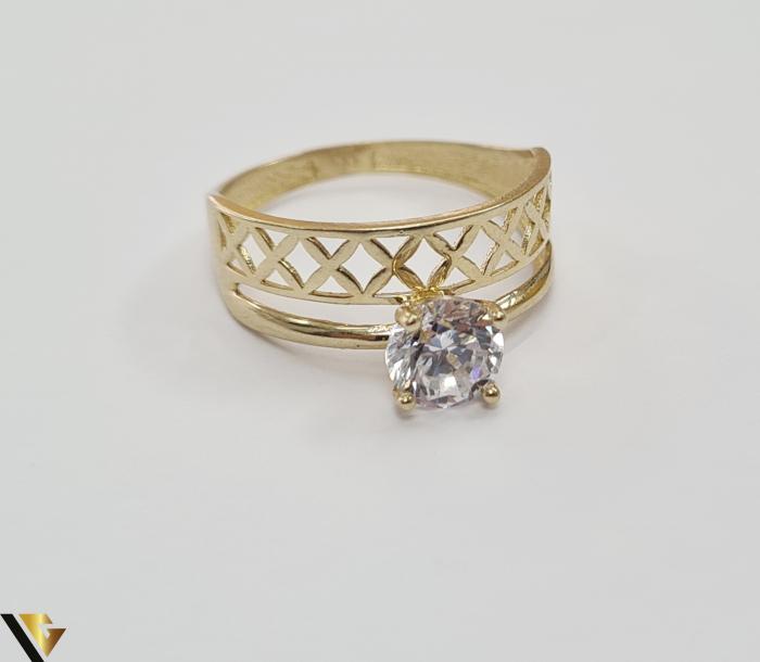 """Inel din aur 14k, 585 2.15 grame Latime inelului la partea superioara este de 8 mm Diametrul inelului este de 17.5mm Masura standard RO: 54 si UE: 14 Marcaj cu titlul """"585"""" Locatie Harlau 1"""