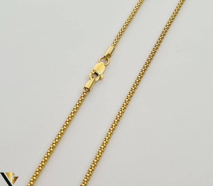 """Lant din aur 14k, 585 4.47 grame Lungime de 46 cm Latime de 1.2 mm Marcaj cu titlul """"585"""" Locatie HARLAU                                                                                          Lant din aur 14k, 585 6.49 grame Lungime de 59 cm Latime de 2.2 mm Marcaj cu titlul """"585"""" Locatie HARLAU 2"""