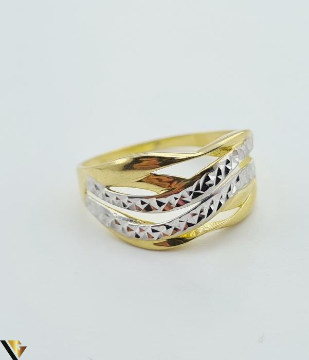 """Inel din aur 14k, 585 2.41 grame Latime inelului la partea superioara este de 9 mm Diametrul inelului este de 20mm Masura standard RO: 62 si UE: 22 Marcaj cu titlul """"585"""" Locatie Harlau [1]"""