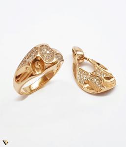 Set cu diamante cca. 0.58 ct., din aur rose 18k, 8.70 grame0