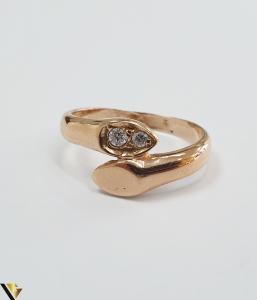 """Inel din aur 14k, 585 3.20grame Diametrul inelului este de 17.5mm (masura standard RO:55 si UE:15) Latimea in partea superioara este de 9.5 mm Marcaj cu titlul """"585"""" Locatie Harlau [1]"""