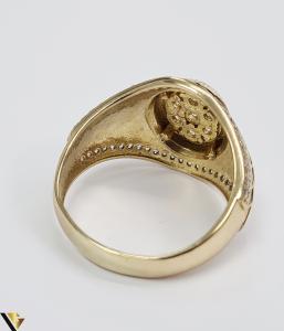 """Inel din aur 14k, 585 8.55 grame Latime inelului la partea superioara este de 18 mm Diametrul inelului este de 21.5 mm Masura standard RO: 68 si UE: 28 Marcaj cu titlul """"585"""" Locatie Harlau [3]"""