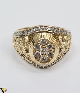 """Inel din aur 14k, 585 8.55 grame Latime inelului la partea superioara este de 18 mm Diametrul inelului este de 21.5 mm Masura standard RO: 68 si UE: 28 Marcaj cu titlul """"585"""" Locatie Harlau [4]"""